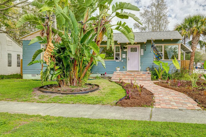 Cute Bungalow in St. Pete 5 blocks to Tampa Bay!
