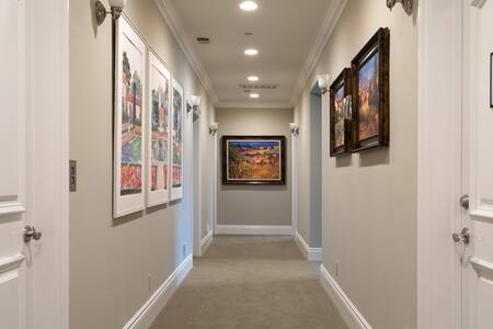 Wide hallway PLUS elevator