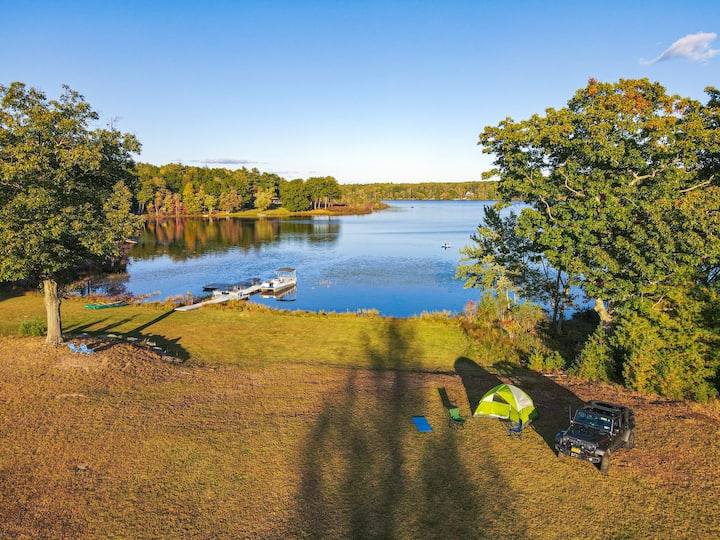 Luxurious & Secluded 22 Acre Lake Estate