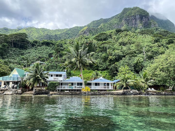 Seaside home with mountain views and private dock