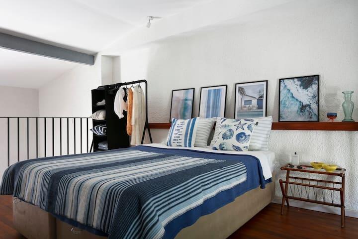 Üst kat yatak odası