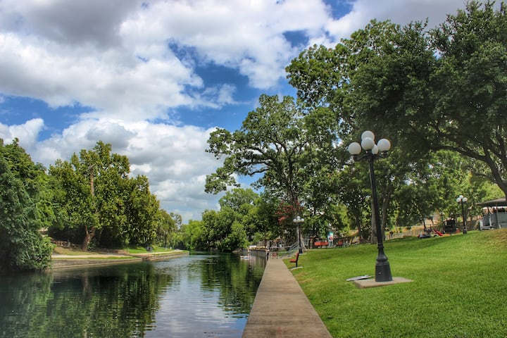 River Run Retreat | Comal River | Gorgeous Views