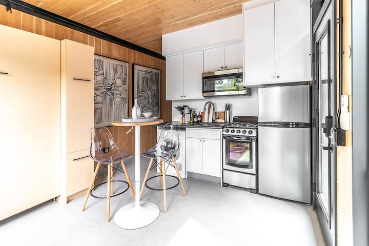 BlockhouseLife Sustainable Tiny-Living! with Wi-Fi
