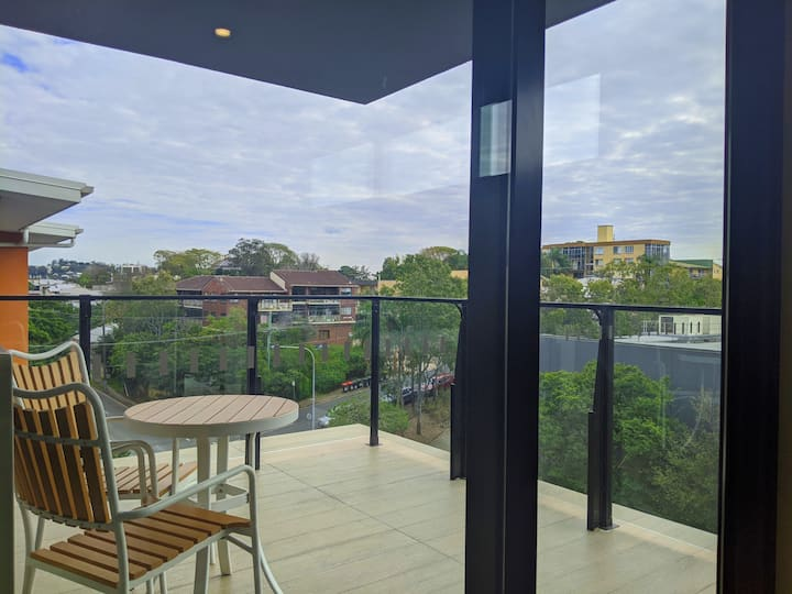 Stylish 3 bedroom apartment in Windsor, Brisbane