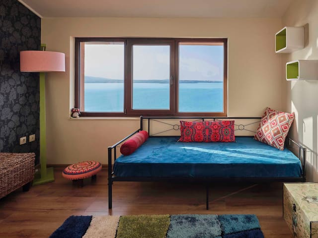 Child´s room with an additional sleeping option for one more kid or one adult.