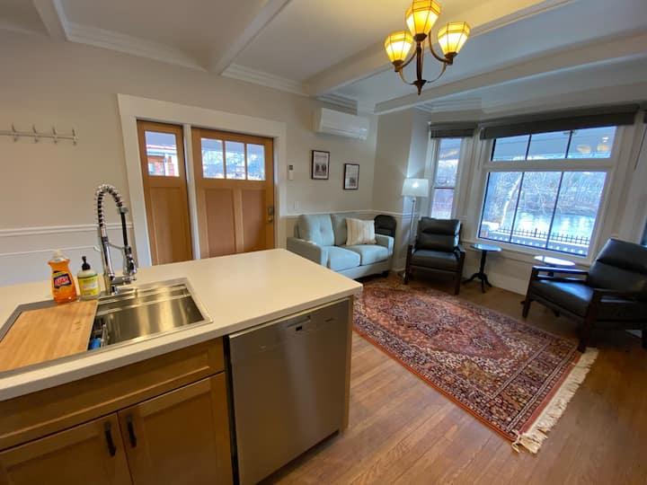 Goldsmith's AirBnb - Blackfoot Apartment- Room #3
