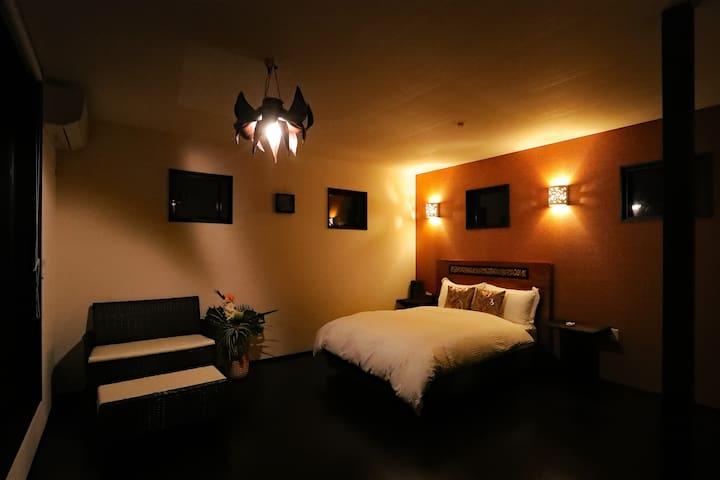 2Fベッドルーム(夜)