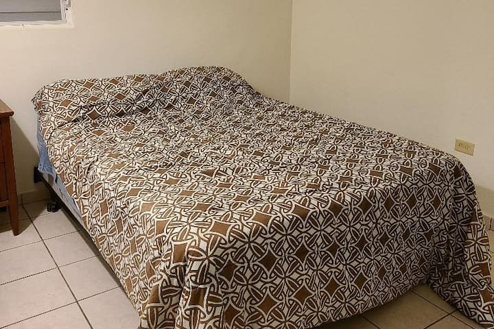 Bedroom 2 (full bed)