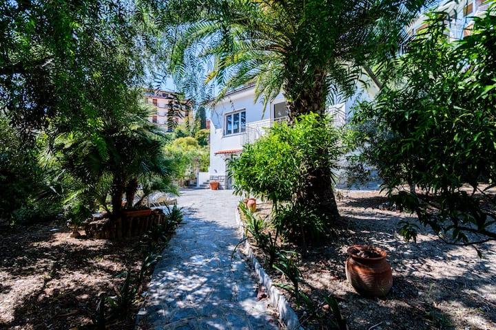 Villa - Centre Sanremo, Jardin privé, Garage, WiFi