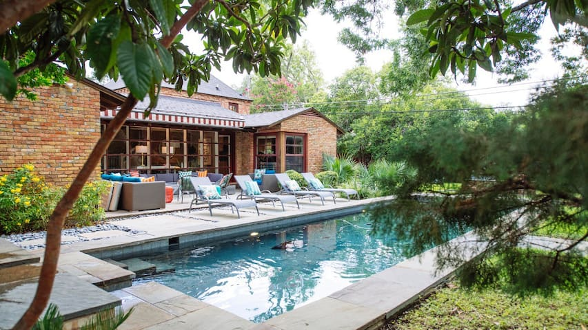 This is YOUR Getaway, right in the heart of Dallas