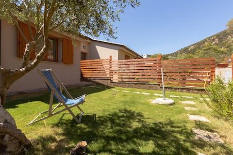 Villa a Chia con giardino e verdanda