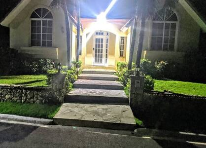 well lit entrance - 2000 lumen solar light that turns on automatically.