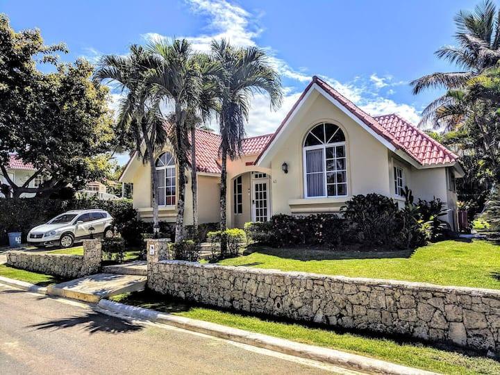 Sosua Casa Linda - Authentic Luxury Villa.