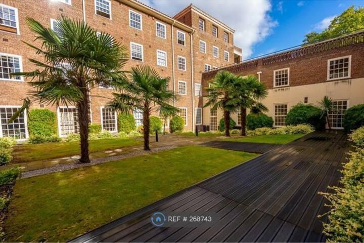 Putney / Wimbledon Spacious Apartment 2 Guests