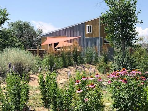 Tiny House at Bosque Cottage, a Mini Eco-Retreat