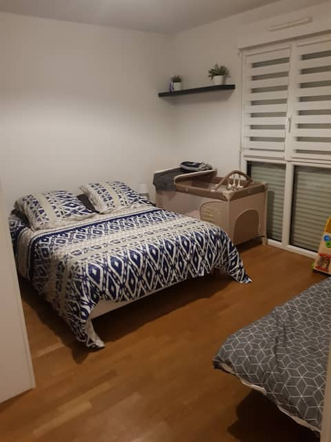 Private  apartment with garden near train station