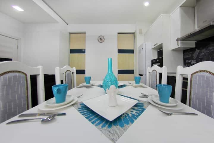 Апартаменты с современным дизайном интерьера