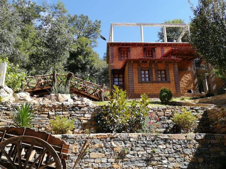 """Cabañas Rancho Alegre """"La Cascada"""""""