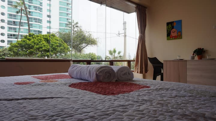 Lima Bayside Room Nº1
