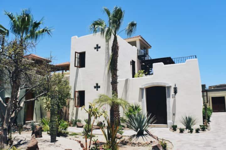 Casa Paraiso - 1 minute walk to the Beach!