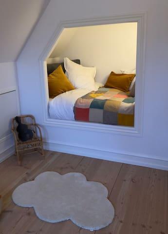Children bedroom (alcove/box bed) 1,20m wide, First Floor