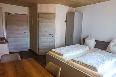 Modernes Apartment Zweibett- oder Doppelzimmer No2