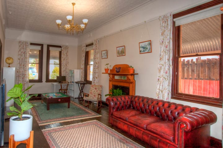 Large Federation home close to the heart of Mudgee