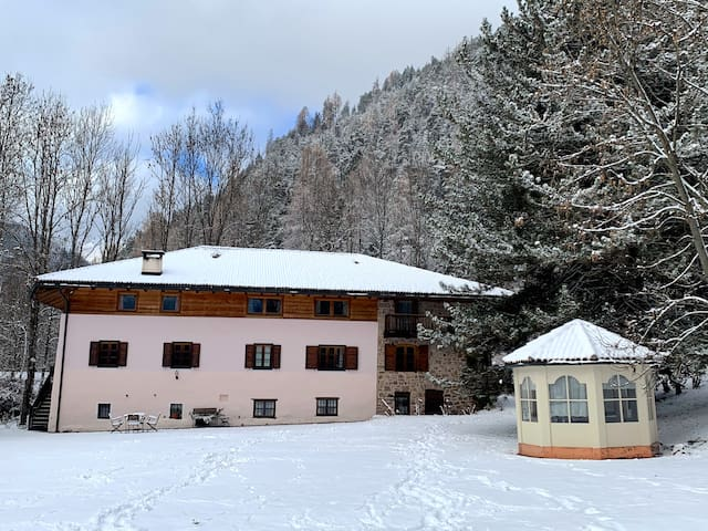 Maso Cela: historic place surrounded by nature