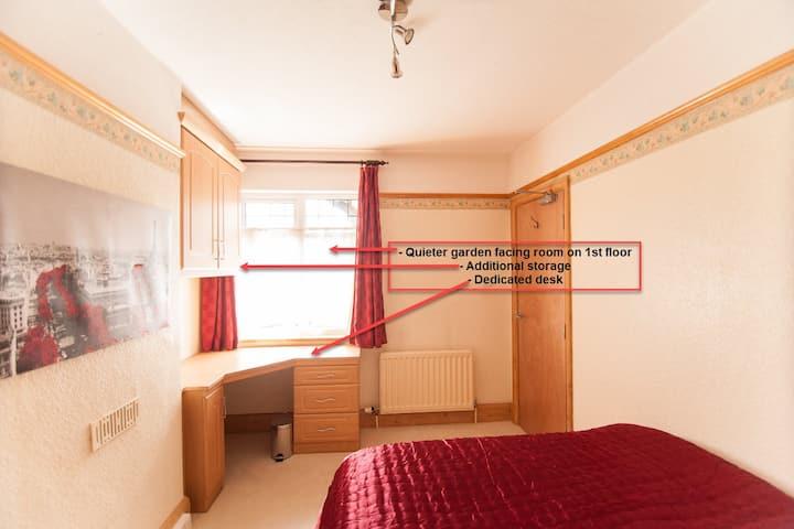 1st Floor Double Room - Watford Hospital WD18