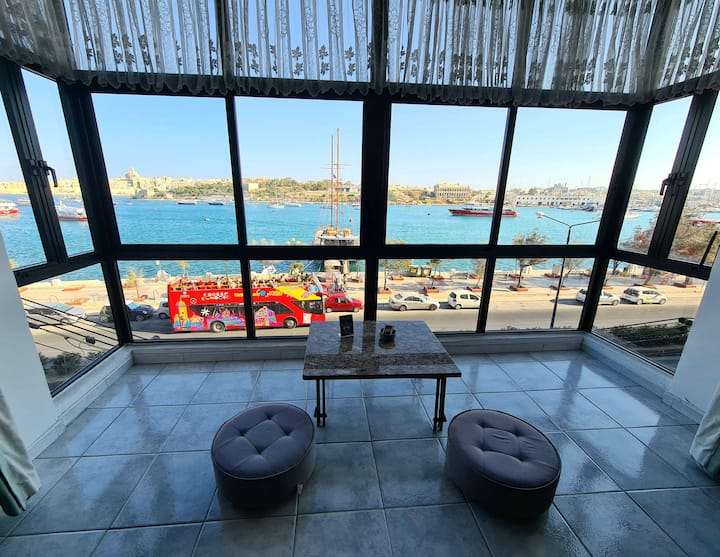 Spacious Seaview Apartment In The Heart Of Sliema