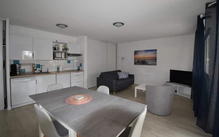 appartement avec chambre 50m2 terrasse proche port