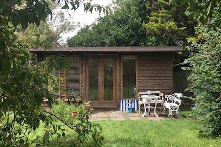 Garden Room in Mawnan Smith, Helford River