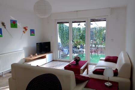 apartment with winter garden and garden use