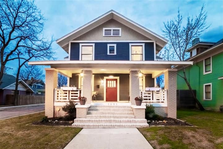 Gorgeous 1910 Historic Front Porch and Fireplace
