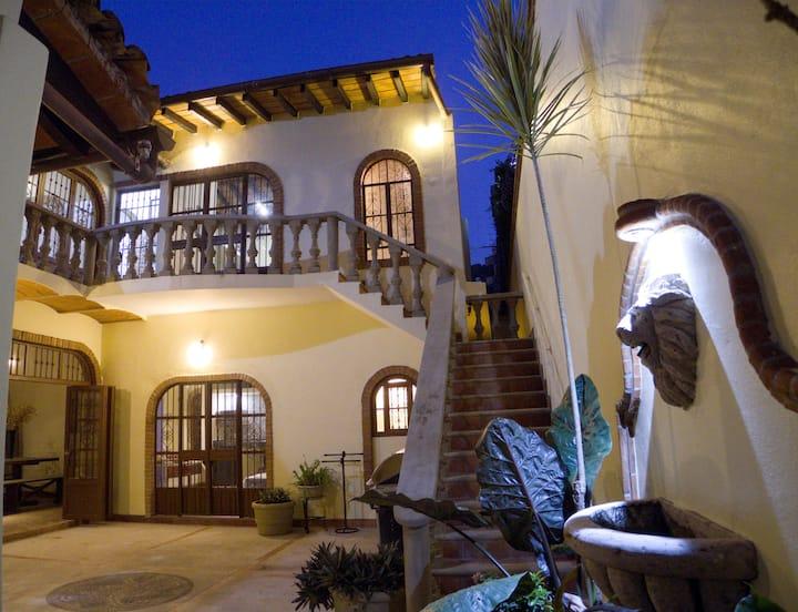 Mexican villa, Private Suite Zona Romantica
