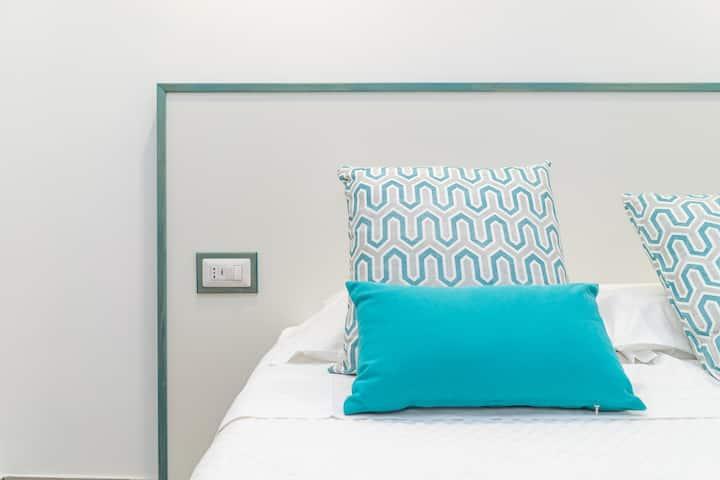 Sapphire Rooms - Tiffany
