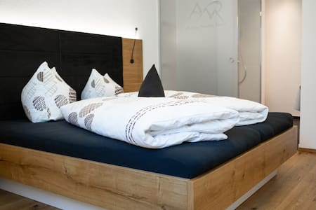 94qm Bergblick Luxus Apartment mit privatem SPA