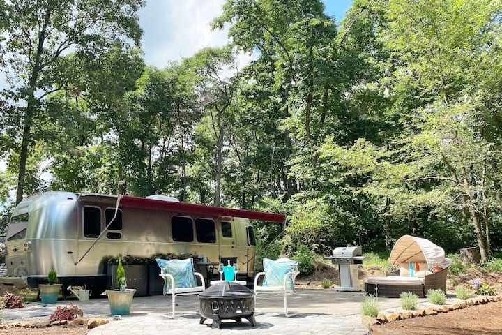Serenity Airstream at Apple Blossom Farm