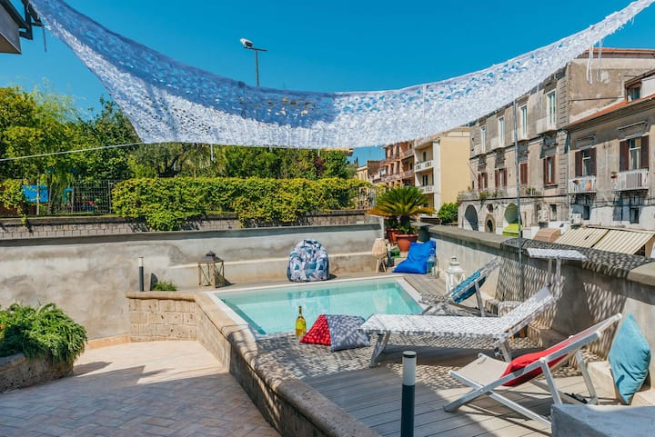 Spacious Villa with 4rooms,pool, solarium garden