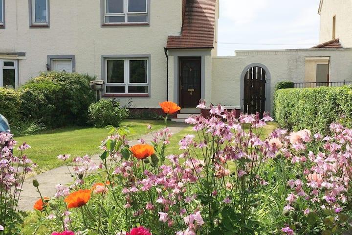 Entire House,  sleeps 4 - Bishopton,  Renfrewshire