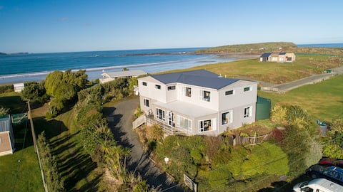 Curio Bay (Catlins) Accommodation