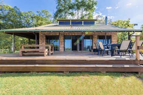 Large Family Home - accommodates 13