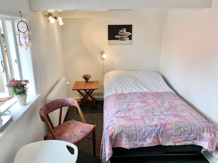 Værelse  med 3/4 seng på Gågade i Faaborg