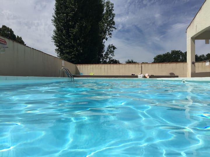 Maison de vacances dans résidence avec piscine