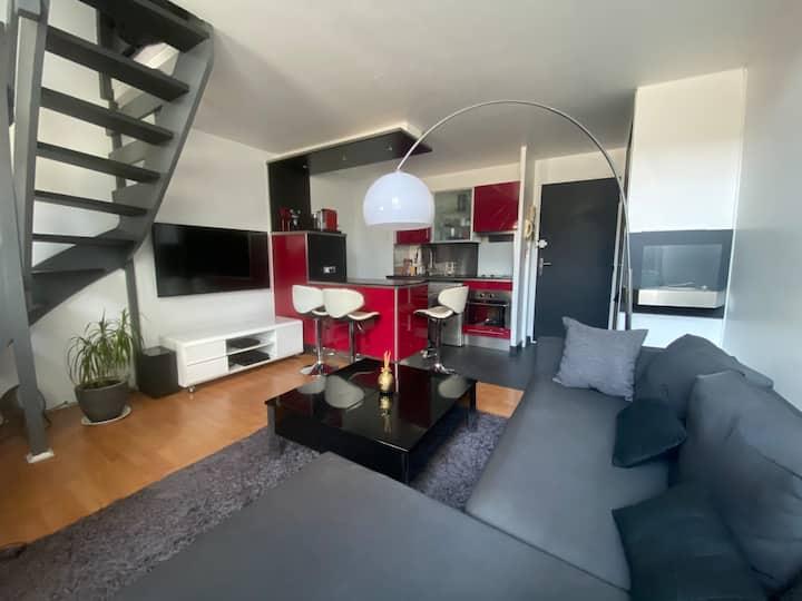 Duplex 2 pièces hyper-centre ville / RER B à 7 min