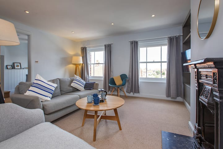 The Sands - (Apartment 3) Luxury 3 bed