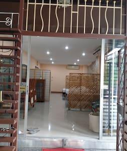 Entrance 2 meter long