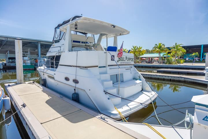 Luxury Yacht Near Beach & Downtown St. Petersburg!
