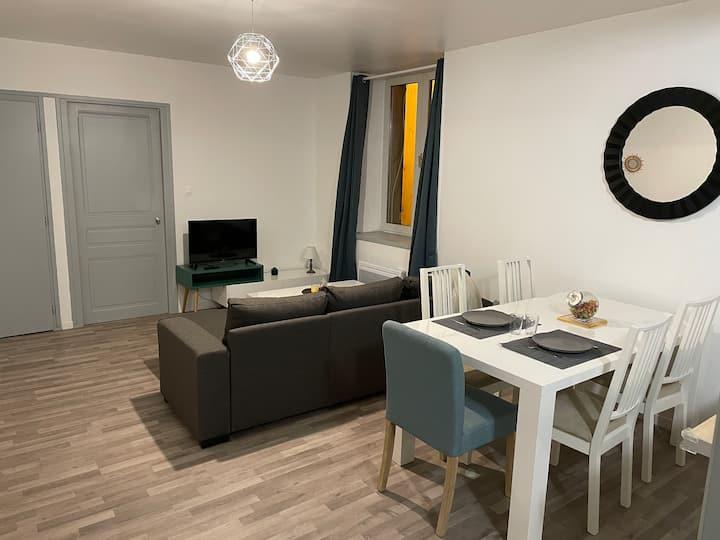 Appartement T2 45m2 tout équipé et meublé, étage 1