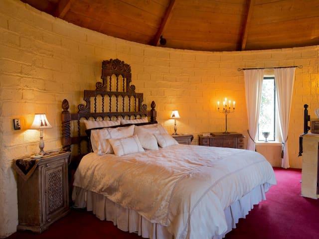 The golden turret suite